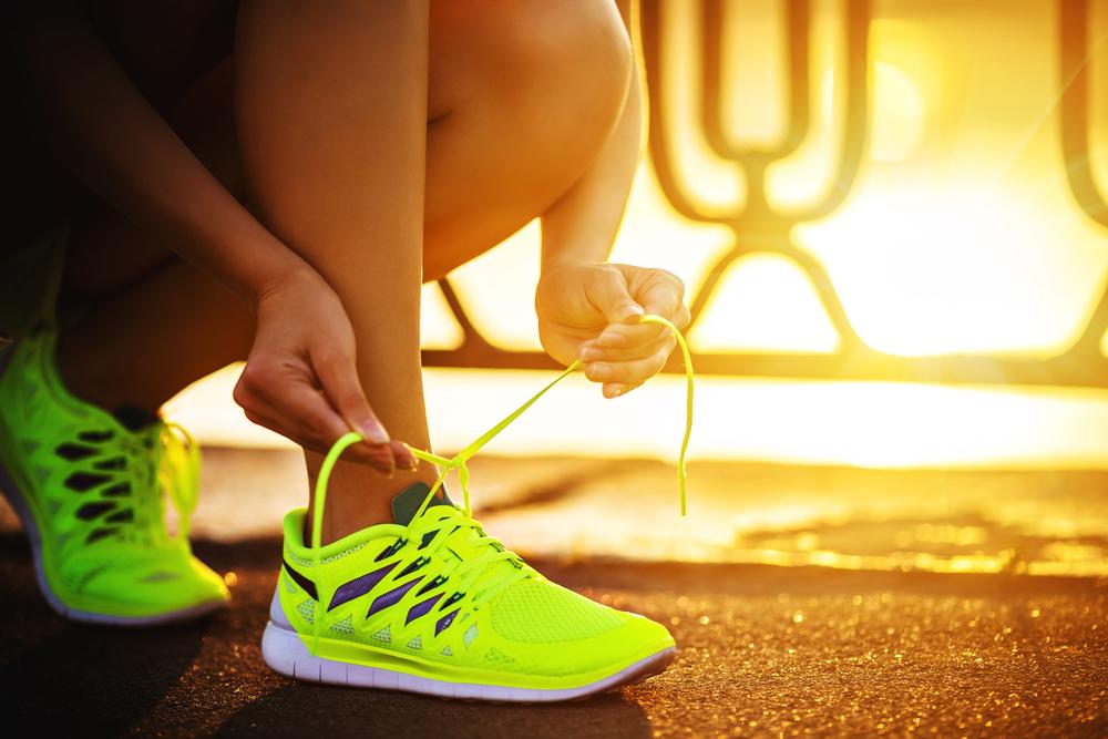 f64ca1c77c3be Ako už bolo napísané, najskôr si kúpte kvalitnú obuv, ktorá je priamo na beh  určená. Neriaďte sa vždy cenou. Zo začiatku nie je nutné mať extra drahé ...