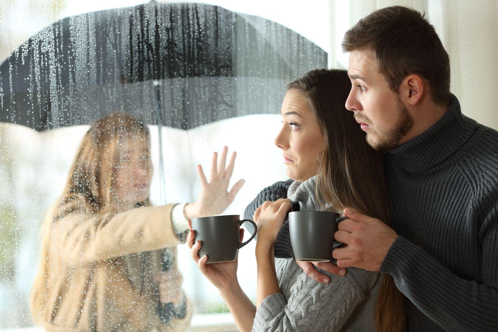 Je lepšie rozísť sa a pretrpieť bolesť, ktorú vám pravdepodobne obom rozchod spôsobí, ako žiť s niekým.