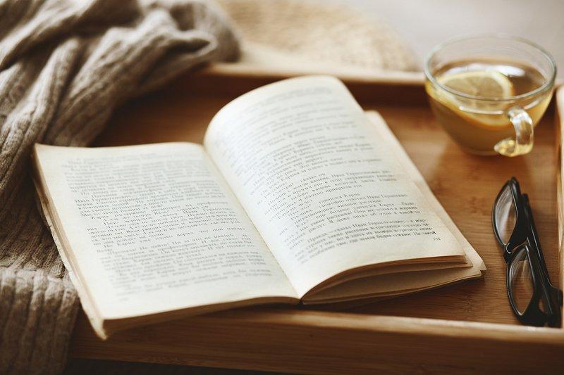 Výsledok vyhľadávania obrázkov pre dopyt čítanie knih